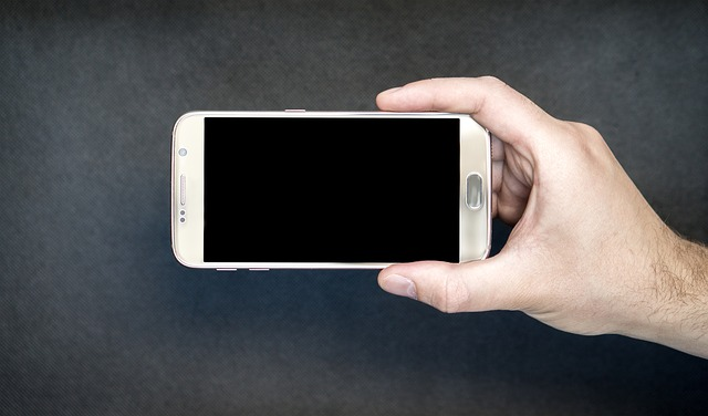 Co zrobić gdy Twój telefon wpadł do wody?